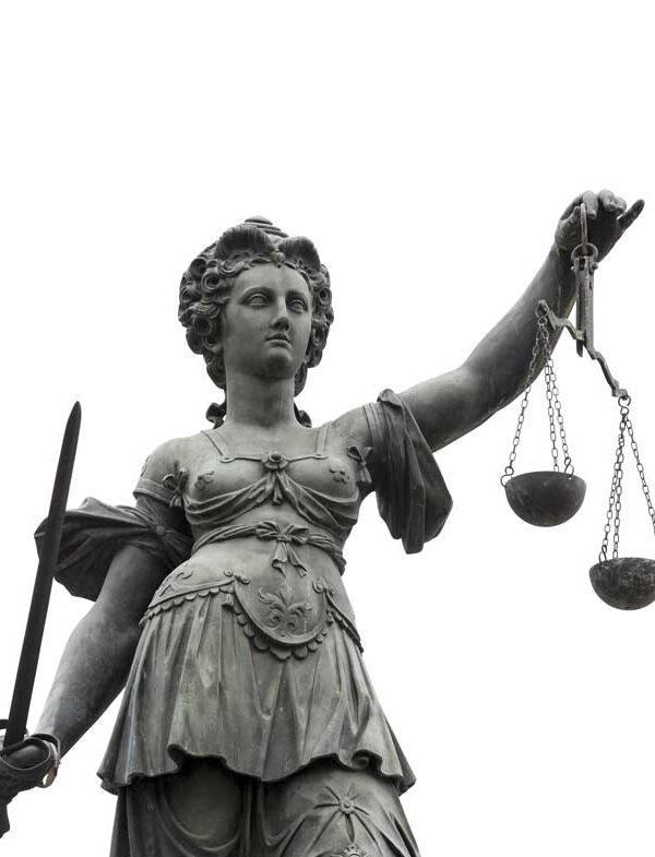 Justitia Statue Rechtsanwalt Garmisch